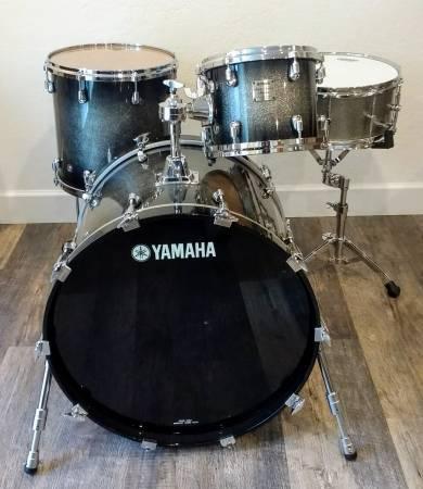 Yamaha Maple Custom Absolute Nouveau Drums